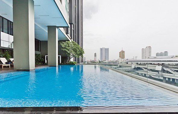 hive-sathorn-swimming-pool2